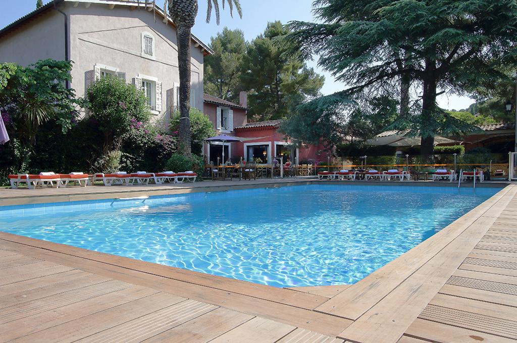 hotel restaurant cassis bar piscine
